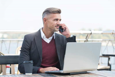 photo of a sales rep on a discovery call